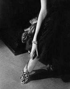Edward Steichen: Princess Nathalie Paley wearing sandals by Shoecraft, 1934