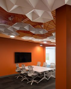 High ceilings can cause excess sound reverberation. Echostar is designed to hang in these open ceiling environments. Corporate Interiors, Office Interiors, Acoustic Ceiling Panels, Commercial Office Design, Open Ceiling, Ceiling Treatments, Inspiration Wall, Office Interior Design, Ceiling Design