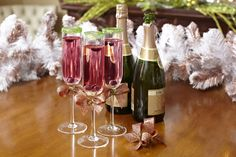 Happy New Year! Dress Up Champagne Cocktails With Edible Glitter Rims >> http://blog.diynetwork.com/maderemade/how-to/glitter-rimmed-chic-champagne-cocktails?soc=pinterest