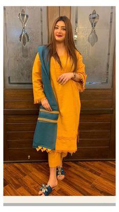 Pakistani Fancy Dresses, Beautiful Pakistani Dresses, Pakistani Fashion Party Wear, Indian Fashion Dresses, Pakistani Dress Design, Stylish Dress Book, Stylish Dresses For Girls, Designer Party Wear Dresses, Kurti Designs Party Wear