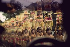 Offerings Photo and caption by Sarah Kanzler National Geographic, Travel Videos, Balinese, Kebaya, Caption, Paradise, Bucket, History, World