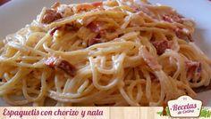 Espaguetis con chorizo y nata, otra manera de cocinar la pasta -  Hoy os he traído una receta en la que os muestro otra manera sencilla y rápida de cocinar unos espaguetis. Esta vez, he cocinado estos espaguetis con chorizo y nata. Un buen chorizo ibérico, siempre le da un sabor delicioso a los espaguetis, y la nata le da un poco de suavidad y textura. Os... - http://www.lasrecetascocina.com/2013/01/21/espaguetis-con-chorizo-y-nata-otra-manera-de-cocinar-la-pasta/