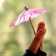 under my umbrella | finger art