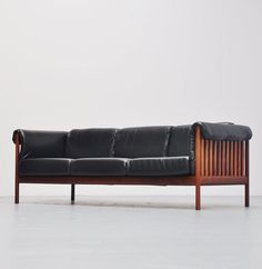 Johannes Andersen; Leather and Rosewood Sofa for CFC Silkeborg, 1960.
