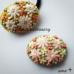 embroidery ブローチ에 대한 이미지 검색결과 Hand Embroidery Projects, Hand Embroidery Flowers, Embroidery On Clothes, Hand Work Embroidery, Creative Embroidery, Hand Embroidery Patterns, Ribbon Embroidery, Embroidery Designs, Cross Stitch Embroidery