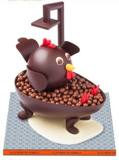 Peonies and Orange Blossoms: Chocolate Easter Eggs: in France! Chocolate Shop, Easter Chocolate, Love Chocolate, Making Chocolate, Artisan Chocolate, Christophe Roussel, Chocolate Showpiece, Chocolate Sculptures, Chocolate Art