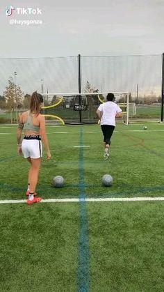 Soccer Footwork Drills, Soccer Practice Drills, Soccer Training Drills, Soccer Coaching, Best Football Skills, Football Tricks, Football Workouts, Soccer Gifs, Soccer Memes