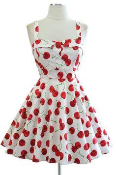 Kleid mit Kirschen – 50er Look mit Früchtchen Der Rockabilly Stil ist bekanntlich sehr vielseitig, wenn man sich die einzelnen Stilrichtungen anschaut. Da ist es nicht verwunderlich, wenn Pinup Girls ihre ganz eigenen Präverenzen, wie etwa das Kleid mit Kirschen, … Weiterlesen →