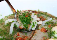 Với vùng biển Vũng Tàu thì bánh canh chả cá có lẽ là món ăn mang đậm hương vị của biển nhiều nhất. Sợi bánh canh mềm ăn cùng với chả cá chiên và chấm nước mắm nhĩ sẽ cho bạn sự cảm nhận tuyệt vời và chắc hẳn sẽ phải ăn hai tô một lúc đấy. ------------ thông tin thêm tại www.banhcanhchaca.com