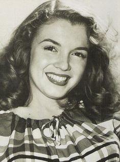 Gorgeous Norma Jean. Astonishing that this wasn't beauty enough for Hollywood.