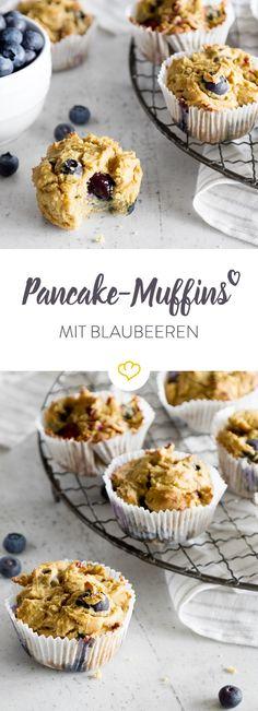 Diese gesunden Muffins mit Blaubeeren und Himbeeren kannst du entspannt vorbereiten, morgens mitnehmen und unterwegs genießen.