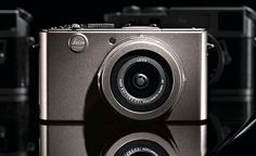 Leica limited-edition D-LUX 4 Titan