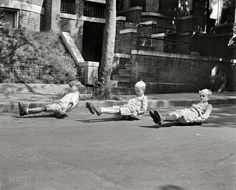 Shorpy Historical Photo Archive :: Scooter Sk8rs: 1922