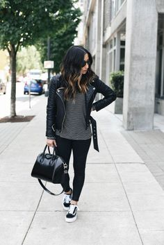 Vans old skool outfit, leather jacket outfits, jean jacket outfits, outfits with Outfits With Vans, 30 Outfits, Winter Fashion Outfits, Casual Outfits, Cute Outfits, Fashion Ideas, Travel Outfits, Outfit Winter, Fashion Fashion