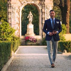 New Cifonelli photo shoot starring Preppy Men, Preppy Style, Just Style, Men's Style, Classic Man, Men Looks, Master Class, Mens Fashion, Fashion Suits