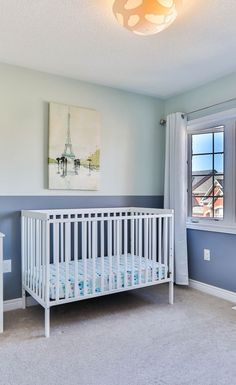 Planning and designing a nursery before the arrival of the baby can give you plenty of time to ensure that the baby's room is safe, warm and has a healthy environment. Follow our 9 tips for the perfect nursery room design. Nursery Layout, Nursery Design, Nursery Room, Modern Crib, Hanging Closet, Mini Crib, Create A Budget, Nursery Furniture, Its A Wonderful Life