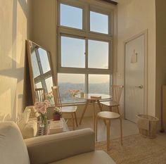 Dream Apartment, Apartment Interior, Studio Apartment Living, Apartment Design, Room Ideas Bedroom, Bedroom Decor, Decor Room, Minimalist Room, Minimalist Bathroom
