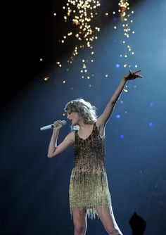 speak now tour!!!!! i love you so much ∞ Welcome Red tour! :')