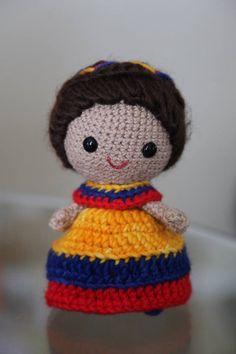 My Colombian Doll Heart Eyes, School Projects, Beanie, Dolls, Friends, Crochet, Hats, Colombia, Weaving