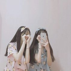 Image about girl in ulzzang by  on We Heart It Ulzzang Korean Girl, Cute Korean Girl, Asian Girl, Bff Girls, Cute Girls, Tumblr Korea, Selfi Tumblr, Couple Ulzzang, Korean Best Friends
