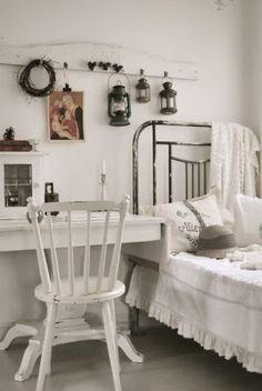 die besten 25 waschtisch holz shabby ideen auf pinterest. Black Bedroom Furniture Sets. Home Design Ideas