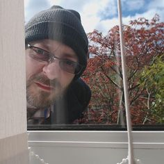 Loving my new #RaspberryPi 3 - stuck an old webcam into it and setup a basic security cam system. Already spotted this dodgy geezer peeping through my front window and automatically uploaded his mugshot to my dropbox account. #IOT #Geek #Curmudgeon by bgluk