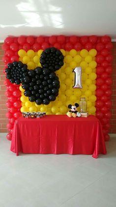 60 idéias para decorar um aniversário do Mickey Mouse - Cumpleaños Mickey Mouse - Baby Mickey Mouse, Mickey Mouse Balloons, Fiesta Mickey Mouse, Mickey Mouse First Birthday, Mickey Mouse Clubhouse Birthday Party, Elmo Birthday, Dinosaur Birthday, Birthday Ideas, Mickey Mouse Birthday Decorations