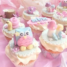Discovered by ღ Kayla ღ 🎃🎀. Kids Birthday Cupcakes, Tea Party Cupcakes, Baking Cupcakes, Fondant Cupcake Toppers, Cupcake Cakes, Cute Cakes, Pretty Cakes, Gorgeous Cakes, Amazing Cakes