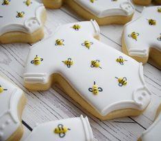 Likes, 70 Comments - Veronica McMaster Bee Cookies, Onesie Cookies, Galletas Cookies, Royal Icing Cookies, Flower Cookies, Heart Cookies, Birthday Cookies, Valentine Cookies, Easter Cookies