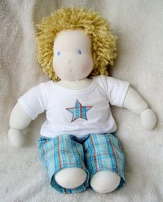 http://snazzlecraft.blogspot.com/2009/05/waldorf-boy-doll-w-clothes-pattern.html