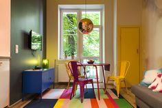 Interior, colourfull, copper lamp, pink