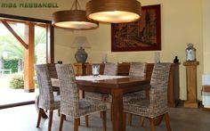 Comedor muebles madera iroko : Comedores de estilo mediterráneo de RIBA MASSANELL S.L.