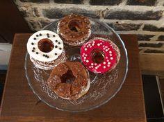 Cronuts : vanille, framboise, caramel beurre salé et praliné nougatine www.momentprivilegie.com 15 rue des vieux murs, Lille, France