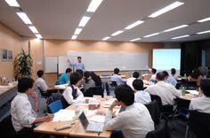【企業名:円尾工産株式会社】 海外の不動産を国内に紹介したり、サポートをしている会社です。香川を今の所は本拠地として基盤を固めているところです。同じ香川県の善通寺市にも支店がありますが、これからは都市にも海外にも事務所を構えたいと思っています。まだまだ発展途中ですが、海外を視野に入れての会社なので、サポートの新鋭になれればと思っています。