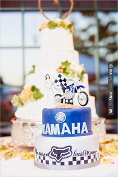 Yamaha groom cake | CHECK OUT MORE IDEAS AT WEDDINGPINS.NET | #weddingcakes