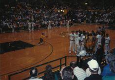 Oregon basketball 1989 at McArthur Court. Basketball History, Basketball Court, Oregon, Wrestling, Sports, History Of Basketball, Lucha Libre, Hs Sports, Excercise