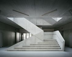 Interior Design Addict: AFF architekten, Hans Christian Schink · Extension of Arndt-Gymnasium (With images) Staircase Architecture, Architecture Design, Interior Staircase, Modern Staircase, Staircase Design, Gymnasium Architecture, Light Architecture, Stair Handrail, Staircase Railings