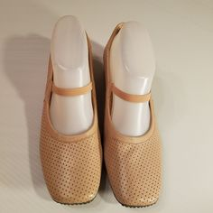 56103605aa17 Antonio Melani Pale Pink Leather Mary Jane Flats Elastic Perforated size 7.5 M  AntonioMelani