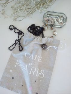 Cotton Linen French Style Bags drawstring Transfer Text with iron. Closure with a small ribbon. Travel Organization, French Style, Organizers, Cotton Linen, Underwear, Ribbon, Closure, Cold, Personalized Items