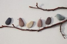 """7 Chic DIY Wall Art Ideas DIY Canvas Rocky """"Rocking Birds"""" on real branches! Stone Crafts, Rock Crafts, Crafts To Do, Arts And Crafts, Diy Wall Art, Diy Art, Painted Rocks, Hand Painted, Pebble Pictures"""