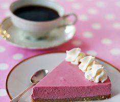 Fantastiskt smarrig och fräsch halloncheesecake, där sötman blir utan bismaker, troligtvis tack vare att den kommer från tre olika källor (...