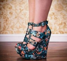29 Wedges Shoes To Look Cool And Fashionable - Hot Heels - Schuhe Hot Heels, Lace Up Heels, Pumps, Strappy Wedges, Wedge High Heels, Wedge Sandals, Black Wedge Shoes, Sandals Outfit, Girls Shoes