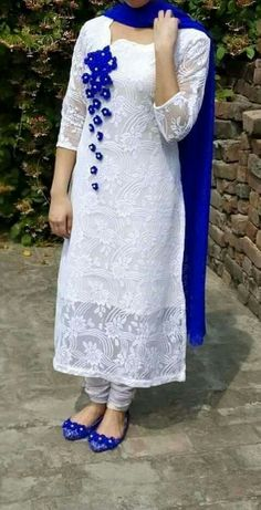 Lovely wear for casual day.white n blue Stylish Dresses, Simple Dresses, Casual Dresses, Fashion Dresses, Pakistani Dresses, Indian Dresses, Indian Outfits, Churidar Designs, Kurta Designs Women