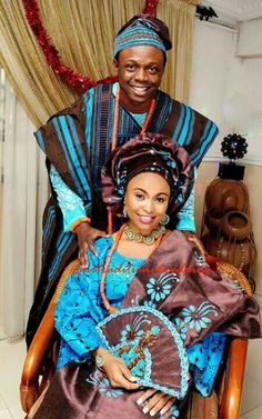 Traditional wedding couple, such gorgeous colours. African Wedding Attire, African Attire, African Wear, African Women, African Dress, Nigerian Wedding Dresses Traditional, Traditional Wedding Attire, Traditional Dresses, Traditional Weddings