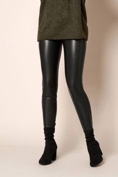 Rosner Damen Kunstlederleggings Antonia_374 Schwarz | SAILERstyle Trends, Elegant, Knee Boots, Leather Pants, Shoes, Fashion, Fashion Styles, Clothing, Gowns