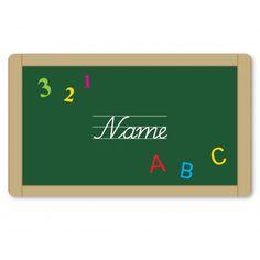 Dieses süße Brettchen aus Melamin kann mit dem Namen des Schulkindes beschriftet werden und ist eine süße Überraschung auf dem Frühstückstisch am Tag der Einschulung. Das Mein Teller - Brettchen Schultafel ABC mit Namen gibt es bei www.baby-and-friends.com
