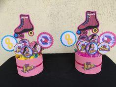 Centros de mesa Soy Luna Roller Skating Party, Skate Party, Cumpleaños Soy Luna Ideas, New Disney Channel Shows, Baby Shower, Baby Alive, Son Luna, Dove Cameron, Princess Party