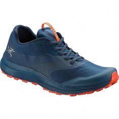 75dea89c98800 12 najlepších obrázkov z nástenky Adidas   Boots, Loafers & slip ons ...
