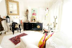 A Peek Inside: indie home tours with Vanessa Valencia from {A Fanciful Twist} - Indie Fixx