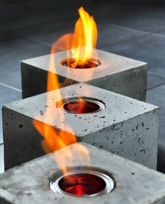 cubos de fuego, con lata de etanol. fire-cube+feuer-würfel++von+bTOM&son+bTOM&lale+auf+DaWanda.com Concrete Kitchen, Concrete Planters, Concrete Cement, Concrete Crafts, Concrete Projects, Concrete Design, Diy Projects, Concrete Candle Holders, Cement Art